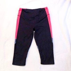 Victoria's Secret VSX sport cropped leggings M
